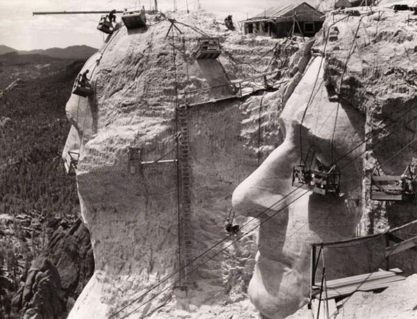 11.-Mt.-Rushmore-under-construction-1939