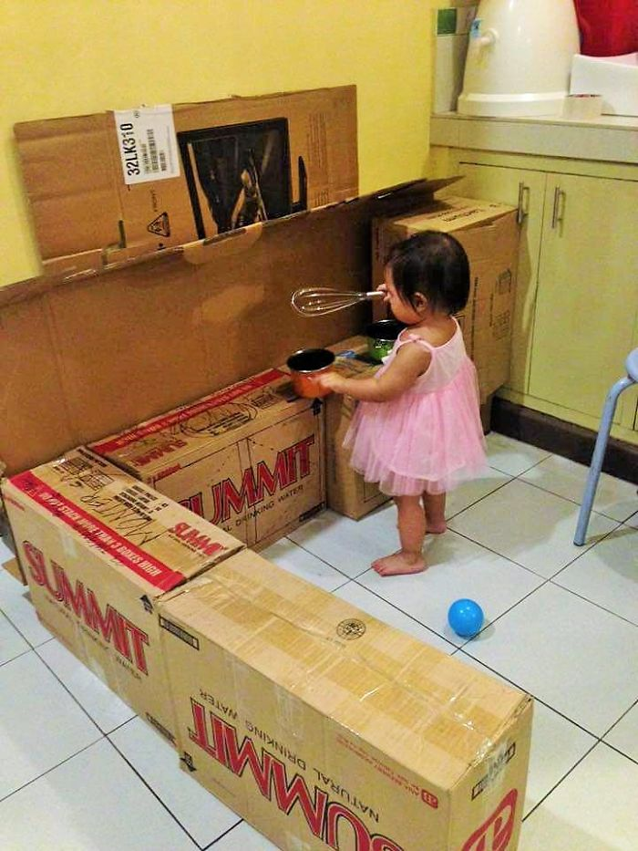 how-to-create-a-mini-cardboard-kitchen-for-you-toddler-2__700